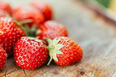 Fraises Fabriquer soi même une fontaine à fraises