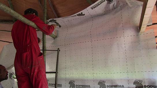 Etape 6 : Montage des murs en paille