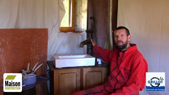 Etape 8 : Toilettes sèches et sanitaires