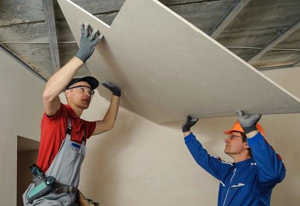 iStock 487103972 Plafond suspendu et tendu : caractéristiques et avantages