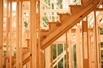 iStock 531614478%20Construction%20Bois%20MC%20OK Les avantages de la construction en bois