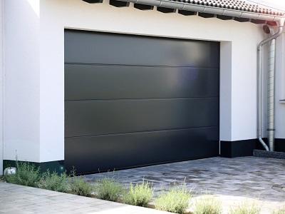 porte%20de%20garage%20paint Porte de garage : quel modèle pour votre maison
