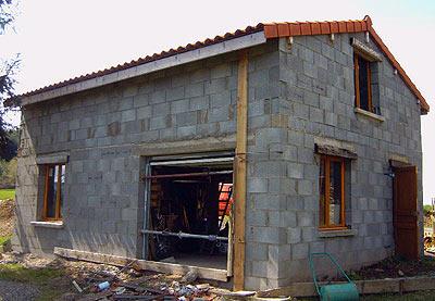 construction-maison-en-pierres-reconstituées