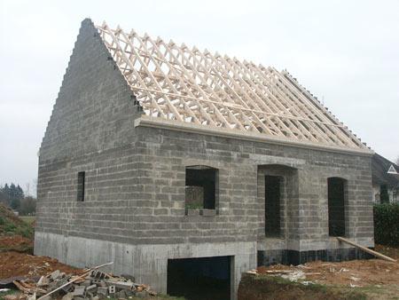 construction-maison-traditionnelle-la-charpente